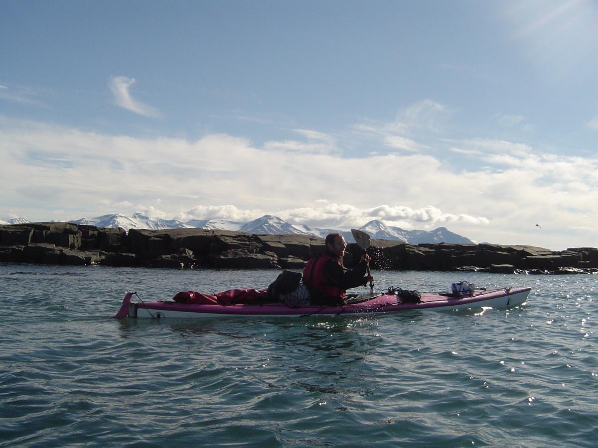 Manu en Kayak au Spitzberg